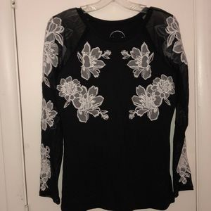 INC M Long Sleeve T-Shirt w/embroidered Long Slv
